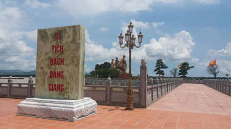 Hà Nội - Chùa Cao Linh - Bạch Đằng Giang - Chùa Hang - Đền Bà Đế 1 ngày