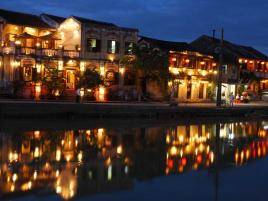 Combo Gia đình - Vui chơi thỏa thích 3N2Đ: Vinpearl Resort Đà Nẵng & TNT Villa Hội An + Vé máy bay
