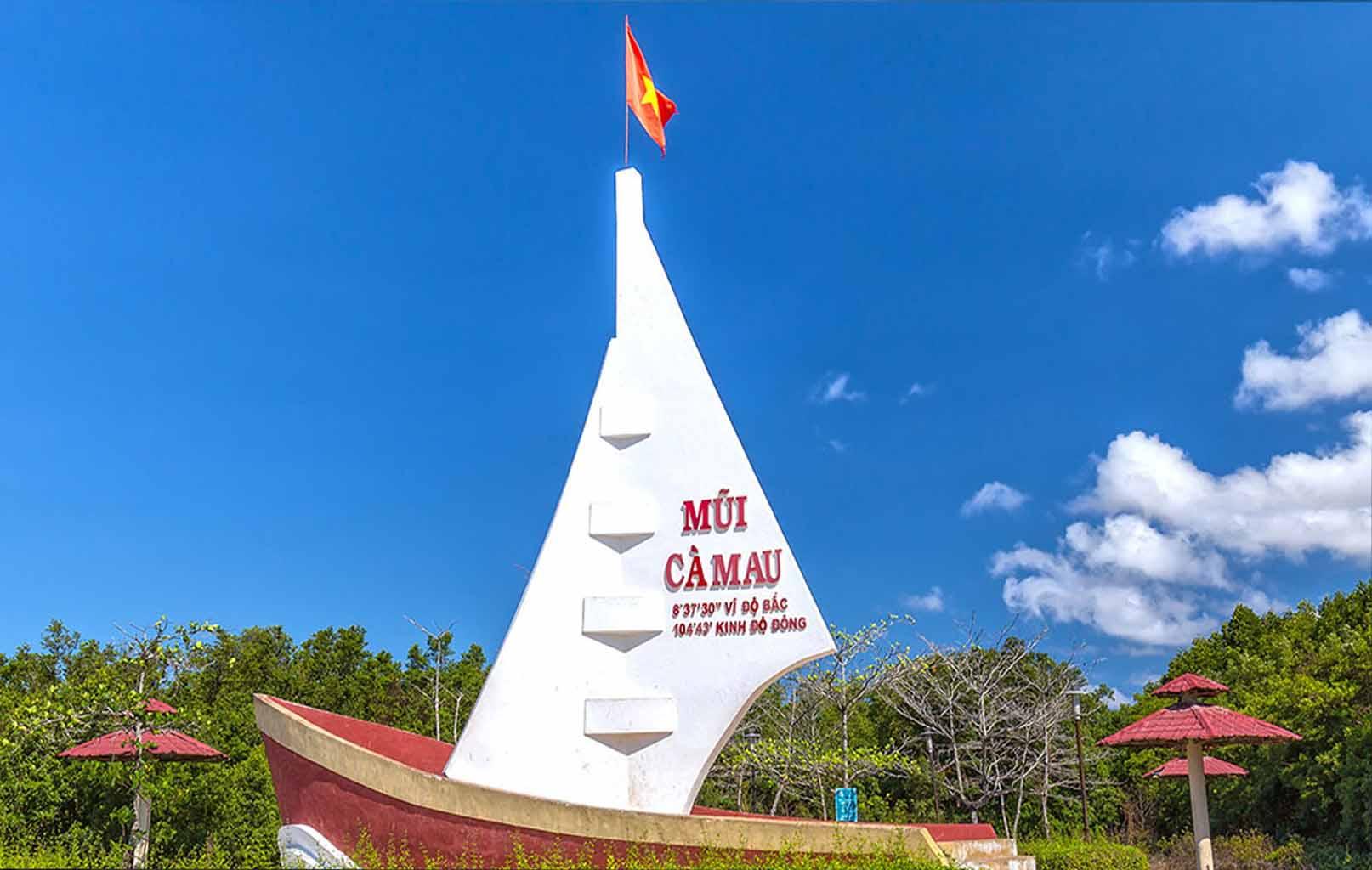 Panô biểu tượng Mũi Cà Mau – Hình con thuyền rẽ sóng ra khơi