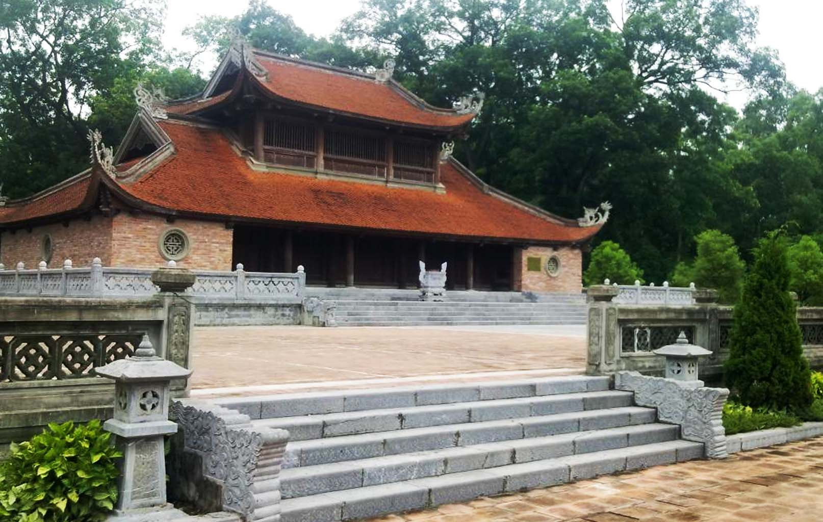 Điện Kính Thiên tại thành cổ Sơn Tây