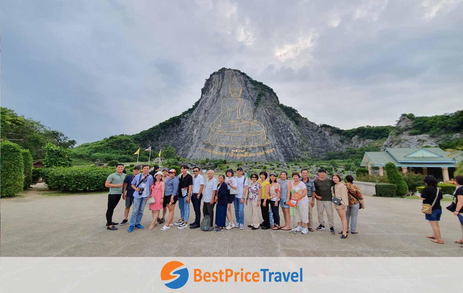 Khách hàng BestPrice tham quan Trân Bảo Phật Sơn
