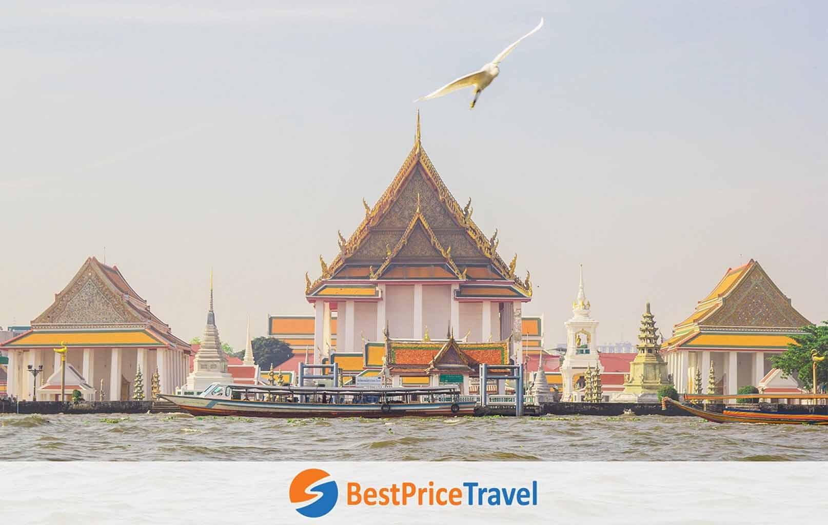 Dạo thuyền trên sông Chao Phraya