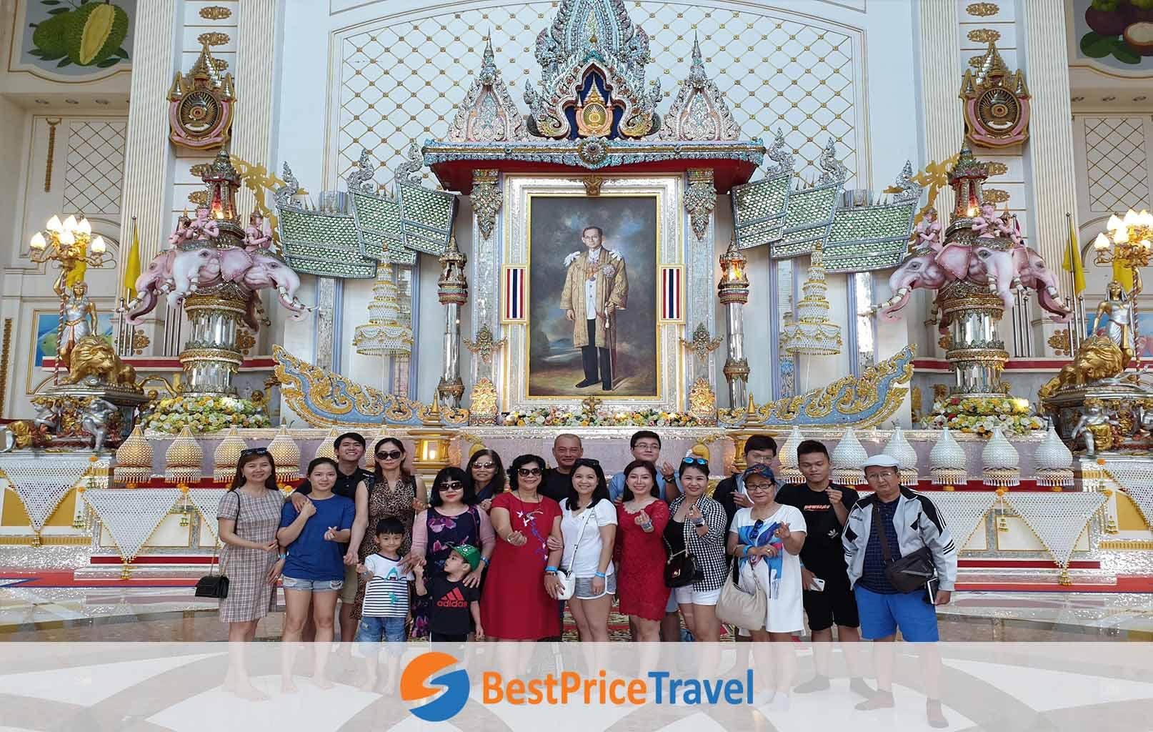 Hình ảnh khách hàng BestPrice tại Lâu Đài Tỷ Phú (Baan Sukhawadee)