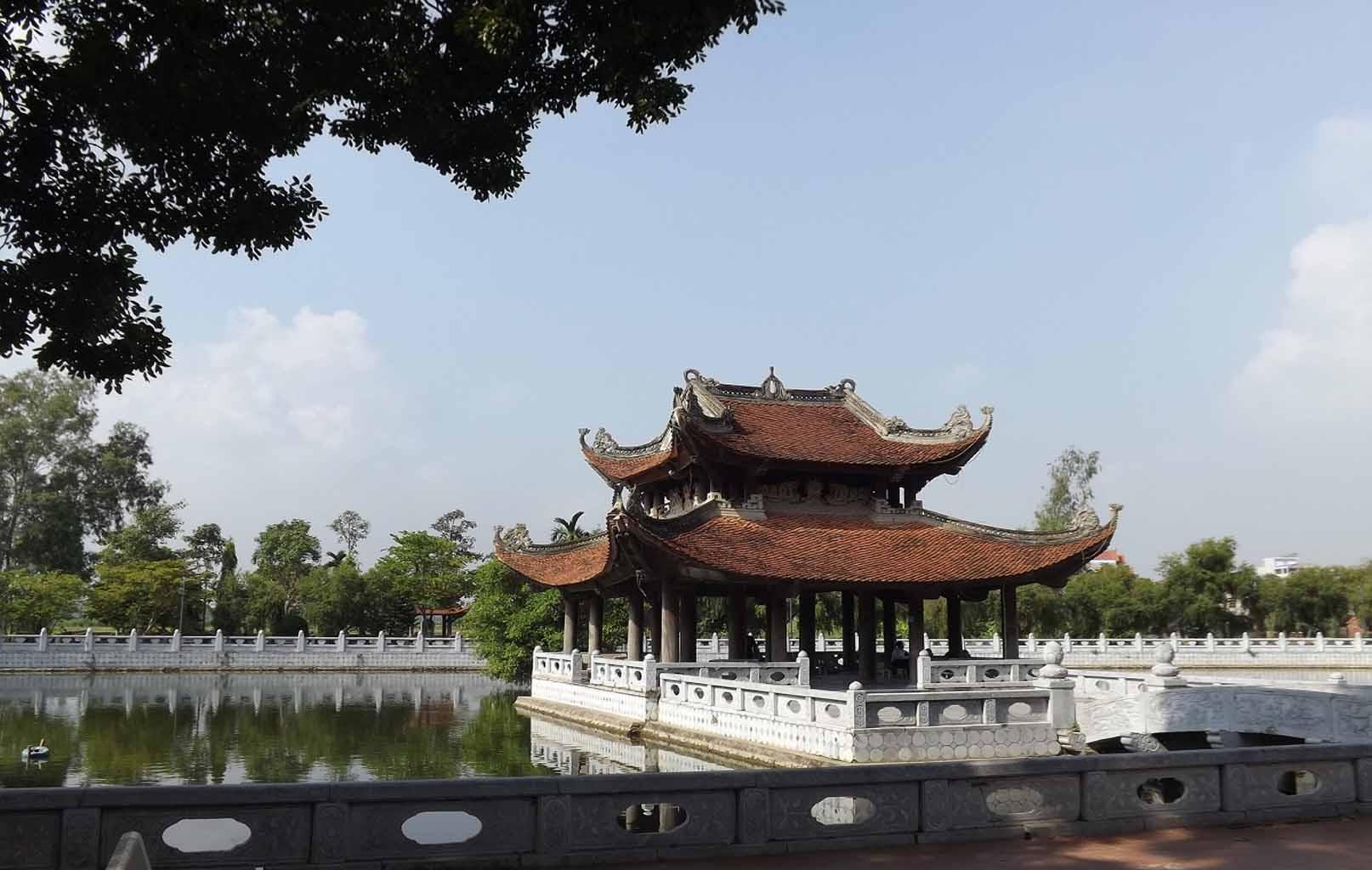 Thủy Đình, Đền Đô