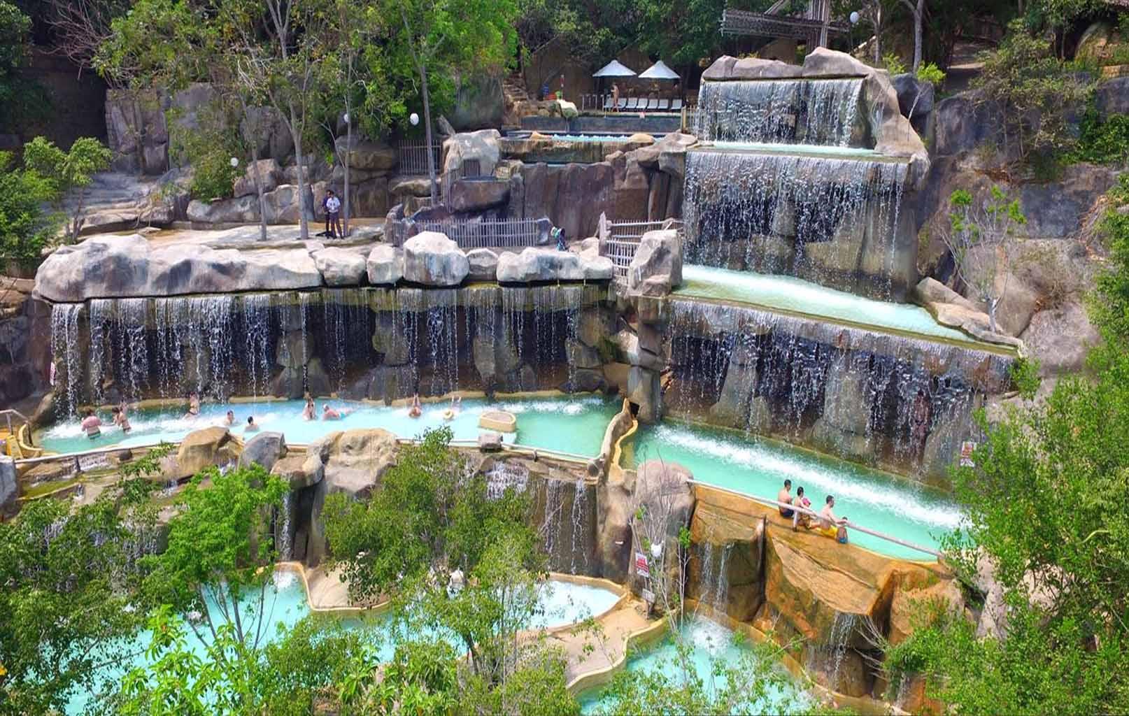 Khu tắm khoáng I-Resort