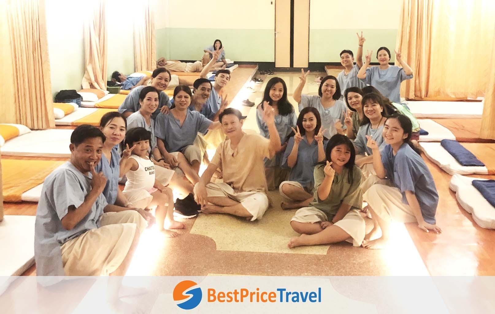 Khách hàng BestPrice trải nghiệm Massage Thái cổ truyền