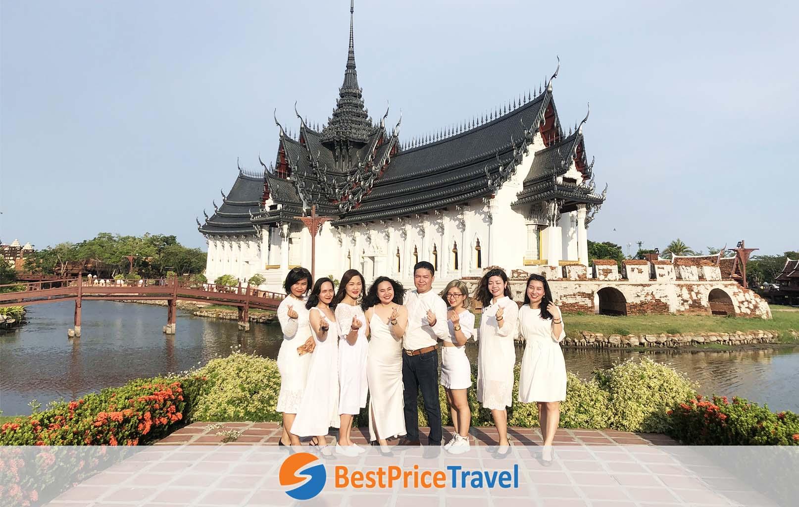 Khách hàng BestPrice check-in tại Muang Boran